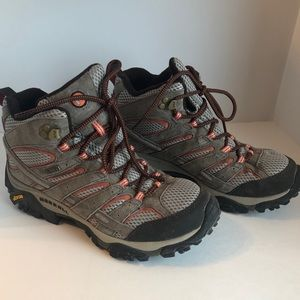 Merrell high top hiking boots 🥾